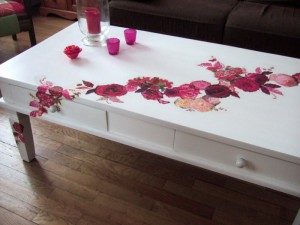 Meubles ravigotés table-basse-guirlande-de-fleurs_167-300x225